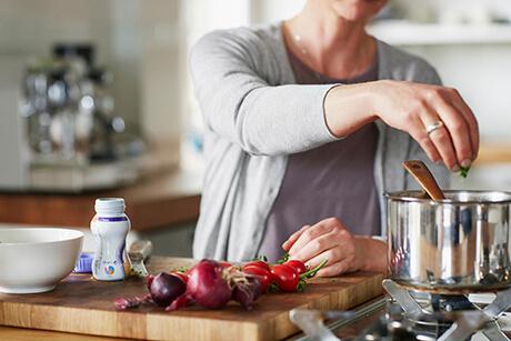 Ruokahalun heikkeneminen ja aistimuutokset syöpähoitojen aikana